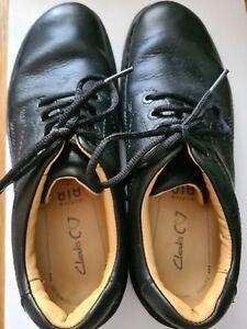 Mens clarks shoes size 7.5  lace ups