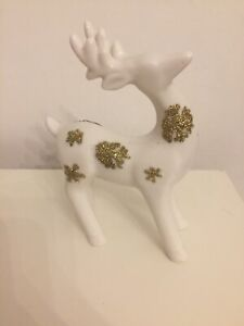 13.5cm Porcelain Reindeer With Gold Snowflakes. New No Tag.