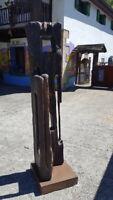 Escultura de JUAN GORRITI Titulo SARA Madera de roble Base acero corten Navarra