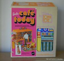 Vintage Mod 1970 Barbie Cafe Today #4983 Structure with Original Box!