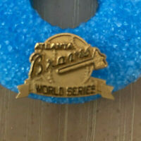 VINTAGE 1991 MLB ATLANTA BRAVES WORLD SERIES BASEBALL PRESS PIN - JOSTENS