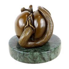 Sündiger Apfel Die verbotene Frucht Vagina Apfel Figur aus Bronze signiert Milo
