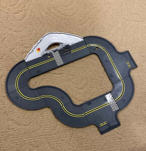 Pre-Owned Hot Wheels World Police Chase Playset Tracks