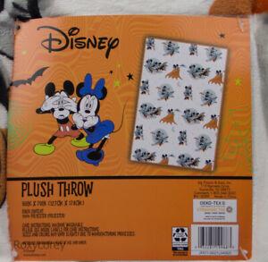 Disney Halloween Soft Plush Mickey & Minnie Mouse Vampire Blanket 50x70 NWT