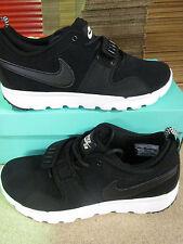 Scarpe da ginnastica da uomo nere Nike