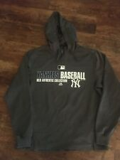 Men's NYY New York Yankees Majestic Pullover Gray Warm-Up Hoodie Size Medium