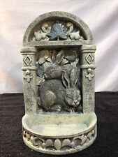 New listing Gift Collection Ployresin Wall Mount Bird Feeder With Rabbits Nub