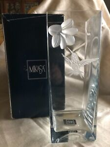"Mikasa SUMMER NECTAR Crystal Flower Vase 12"" 3D Frosted Flower in ORIGINAL BOX"