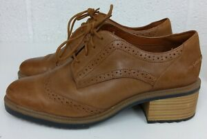 CLARKS SOMERSET TAN LEATHER BLOCK HEEL BROGUE SHOES - SIZE 8E UK / 42 WIDE FIT