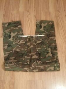 Vintage Ideal Outdoors Woodland camouflage pants. New old stock. Medium 33-35