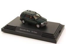 1:87 Mercedes-Benz M-Classe W163 vert turmaline vert - Dealer-Edition - Busch