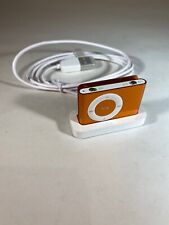 Apple iPod Shuffle A1204 Gold 2nd Gen With Base.