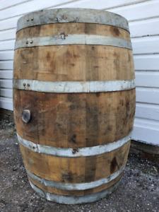OLD RECLAIMED USED RUSTIC WINE / WHISKEY / SCOTCH WHISKY OAK WOODEN BARREL CASK