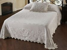 Stunning White Matelasse Center Medallion Floral Design Classic Bedspread King
