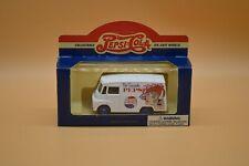 Lledo No 71007 - Diecast Model Of A 1959 White Morris LD 150 Van - PEPSI-COLA