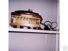 telephone tramway en bois naturel marron.