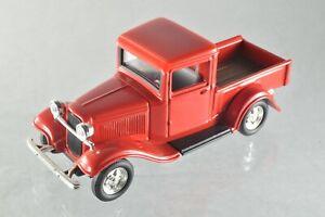 JQ253 Road Signature #94232 1:43 1934 Ford Pick-up A+/-