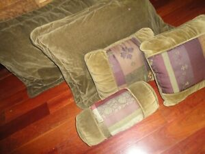 CROSCILL CALABASH VELVET GREEN AMETHYST (5PC) KING PILLOW SHAMS & PILLOWS SET
