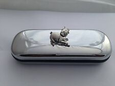 A39 Running Pig  Motif On a Chrome Glasses Case