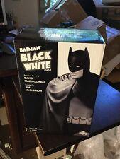 Batman: Black and White Statue: Batman by David Mazzucchelli. 243/5000