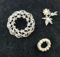 Vintage 1950/60s Rhinestone Faux pearl &  marcasite Flower, Circle  Brooches lot
