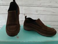 Timberland Leather Slip On Walking Hiking Shoes Women's Sz 7.5 M Brown Suede EUC