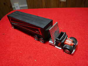 2006 Hot Wheels Truckin Transporter Fold Out Ramp K5135 Complete
