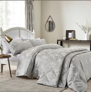 Sanderson Throw Bedspread Quilted  Silver Ashbee Paisley Rrp £315