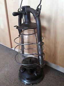 Vintage feuerhand Lantern.