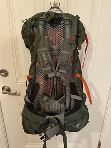 Osprey Atmos 65 AG Backpack Size M Hiking Mountaineering