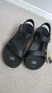 TEVA Black Hurricane Drift Walking Sandals UK 7 BNWT