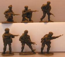 18 American Modern AIP plastic soldiers army men # 5580
