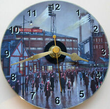 More details for  man. utd football old trafford in the 1960s 12cm cd clock sweep+stand