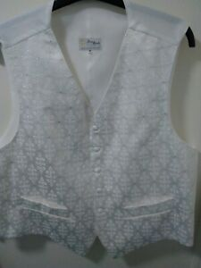 MENS WAISTCOAT SIZE 50. Cream pattern with silver. New without tags. Free post