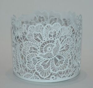 NEW BATH & BODY WORKS WHITE FLORAL LACE LARGE 3 WICK CANDLE HOLDER SLEEVE 14.5OZ