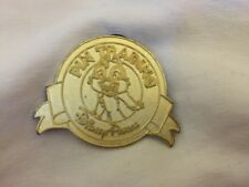 2011 Disney Limited Release Gold Dale Chaser Pin Trading Parks Chip Chipmunk Cas