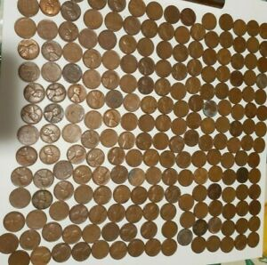 Lot of Wheat Pennies 210 total