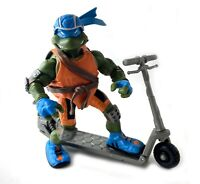 Scootin Leo TMNT Teenage Mutant Ninja Turtles Figure w/ Scooter 2003 Leonardo