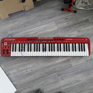 BEHRINGER UMX610 MASTER KEYBOARD 61 tasten USB MIDI Keyboard