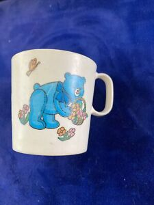 Vintage Chilton Globe Bears With Flowers Small Plastic Cup- Great Graphics!