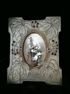 LOVELY ART NOUVEAU, ARTS & CRAFTS  METAL ON WOOD PICTURE/ PHOTO FRAME