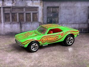 Hot Wheels 1967 Chevrolet Camaro 1982 Neon Green Opening Hood