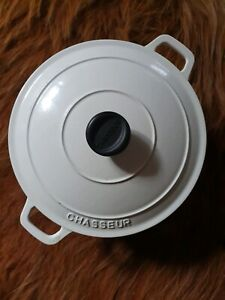 Chasseur Cast Iron Cream Round French Oven 24cm