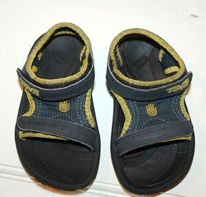 Teva size 6 Toddler Psyclone Sandals