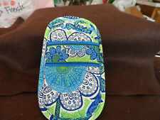 Vera Bradley Single eyeglass case in retired Daisy Doodle pattern
