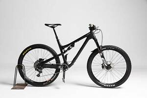 Rocky Mountain Thunderbolt 790 MSL BC Edition 9 (2016) mountain bike black trail