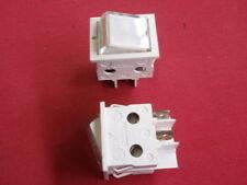 2x 230V beleuchtete WIPPSCHALTER weiss 16A RAHMEN 32x26mm      23931