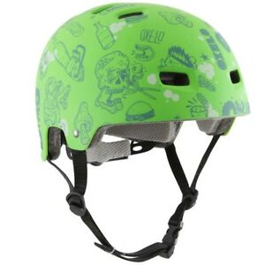 Oxelo FIT size 5 Helmet with match safety pads: knee, thigh and wrist like new!