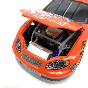 Action Tony Stewart #20 Home Depot 2003 Chevy Monte Carlo 1:24 Diecast NASCAR