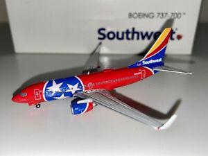 "Gemini Jets Southwest 737-700 N922WN ""Tennessee One"" 1:400 Scale"